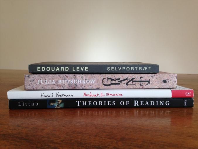 Bøger på mit natbord